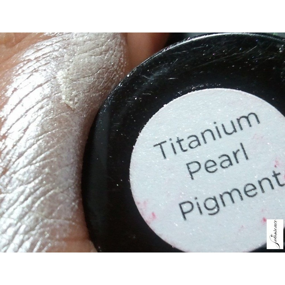 Пигмент эффект CND Pigment Effect Titanium Pearl Титан 3,36 гр